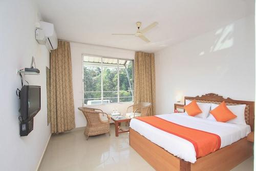 . OYO 9656 Hotel Sri Venkateshwara Residency