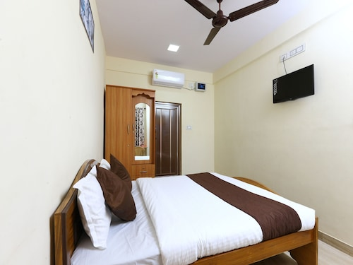 OYO 8937 Ragu Residency, Coimbatore
