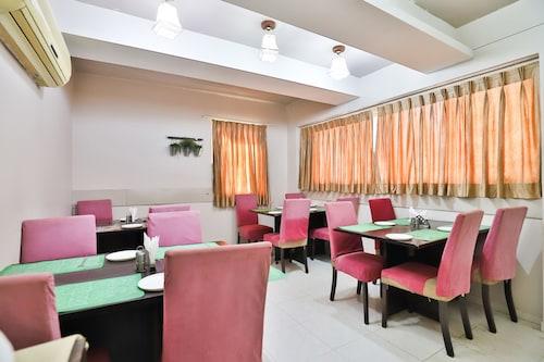 OYO 2156 Hotel Isher International, Gandhinagar