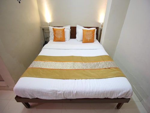 OYO 2156 Hotel Isher International, Gandhinagar