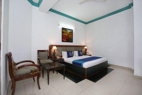 OYO 9985 Hotel Sekhon Grand, Jalandhar