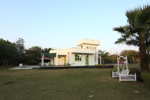 OYO 11338 Home 3BHK Mangar Farm House, Faridabad