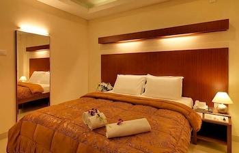Hotel - Dhanunjayas Luxury Hotel