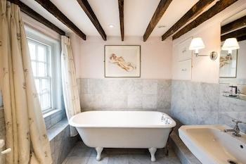 Double Room, 1 King Bed, Bathtub