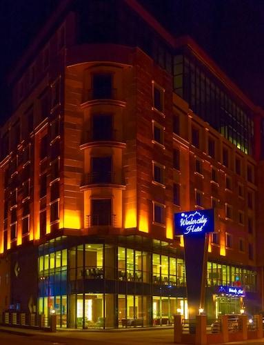. Winter City Hotel