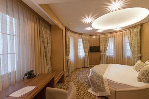 . Cesmeli Konak Hotel
