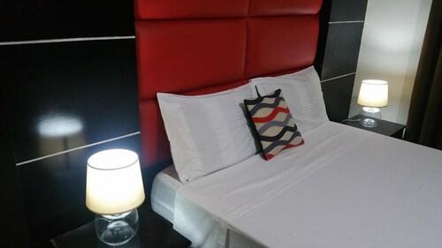 Luxury Suites E, Mabalacat