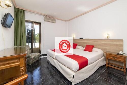 __{offers.Best_flights}__ OYO Hotel El Prado