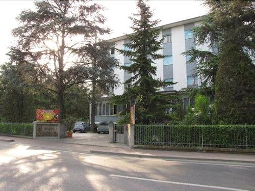 . Hotel Senio