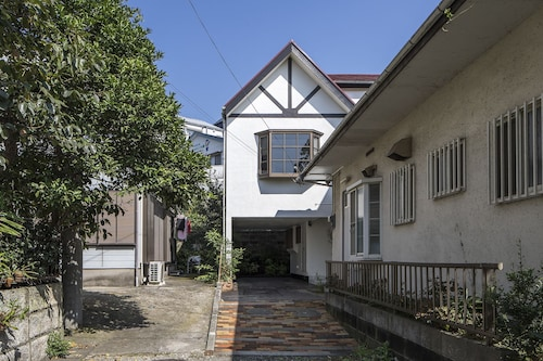 Purple Sofa House, Zushi
