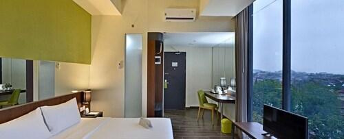 . Whiz Prime Hotel Khatib Sulaiman Padang