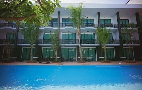 . Namthong Nan Hotel