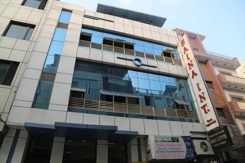 Hotel Saina Internationa, West