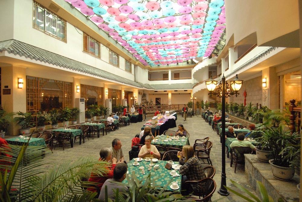 陽朔ニュー センチュリー ホテル (阳朔新世纪酒店)