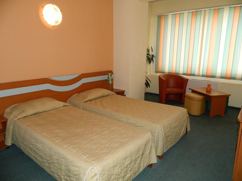 Elizeu Hotel