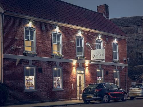 . Quayside Hotel & Bar