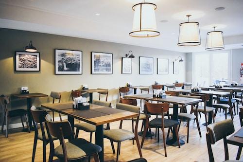Cyan Soho Neuquen Hotel, Confluencia