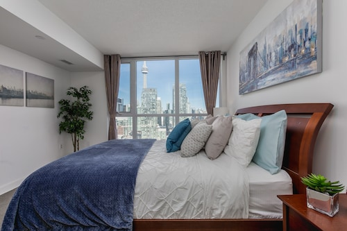 QuickStay - Premium 2-Bedroom with CN Tower & Lake Views, Toronto