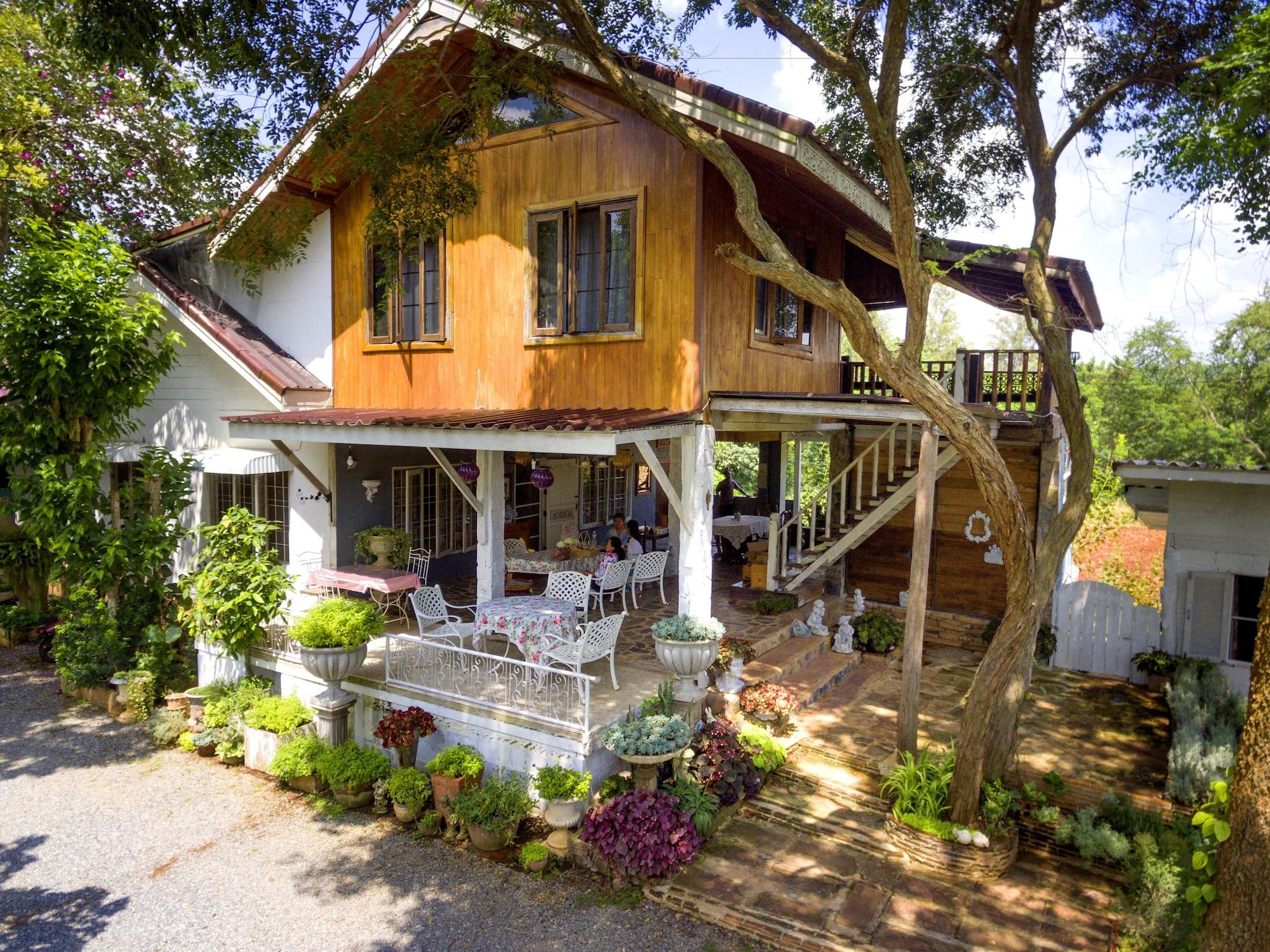 Rosemary House, Pak Chong