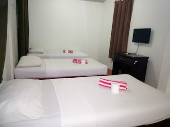 SUN MOON POOLSIDE HOTEL Guestroom