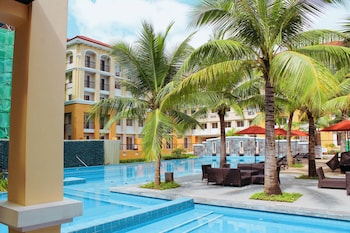 2BR AT SAN REMO OASIS NEAR SM SEASIDE Outdoor Pool