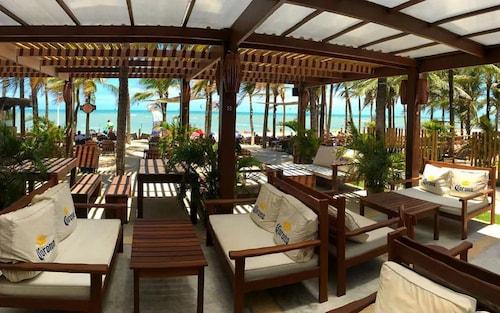 . Duro Beach Hotel