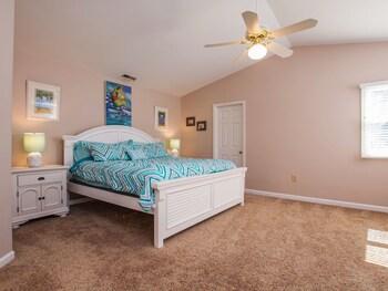 Windjammer Home 4 Bedrooms 3 Bathrooms Home