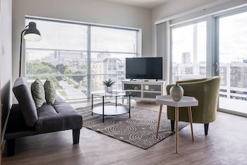 Chic Central Apartment with Free Parking