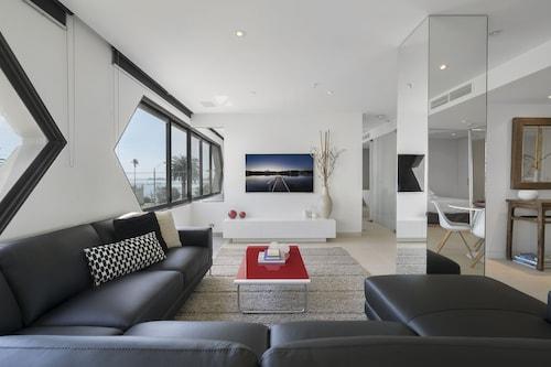 ELAINE, 2BDR St.Kilda Apartment, Port Phillip - St Kilda