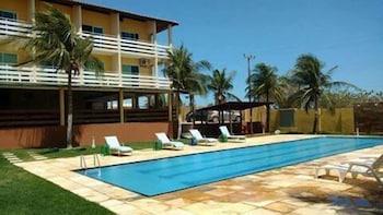 https://i.travelapi.com/hotels/23000000/22680000/22671200/22671151/fa6053d4_b.jpg