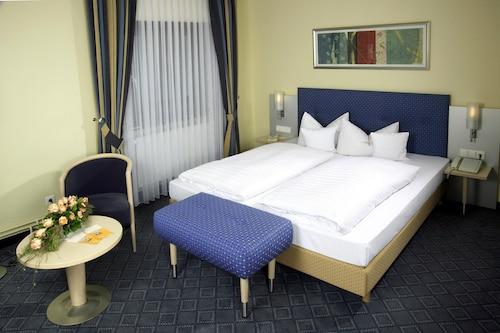 Hotel Löwen-Seckenheim, Mannheim