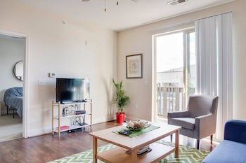 Lovely 1BR w Balcony in Historic Midwood