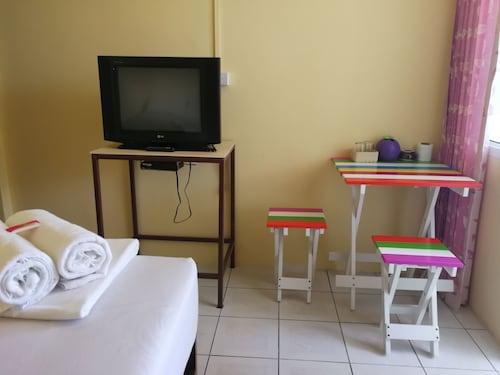 Pornarree Hotel, Langu