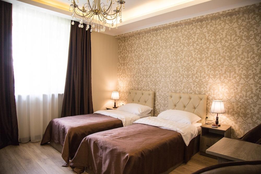 De'Mar Hotel, Biškek