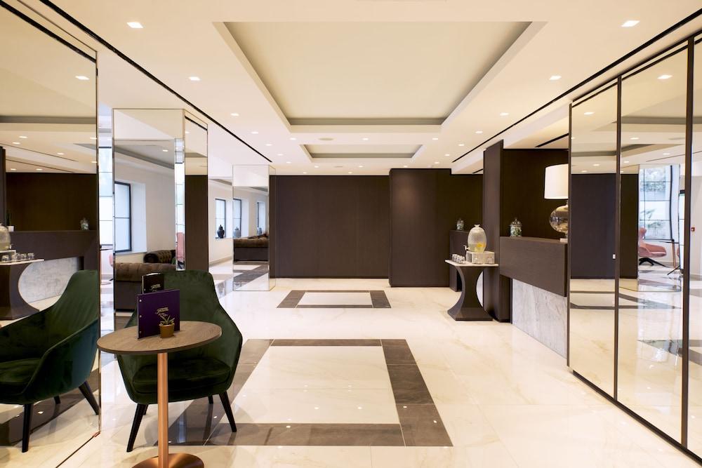 https://i.travelapi.com/hotels/23000000/22690000/22681400/22681365/6d800e1a_z.jpg