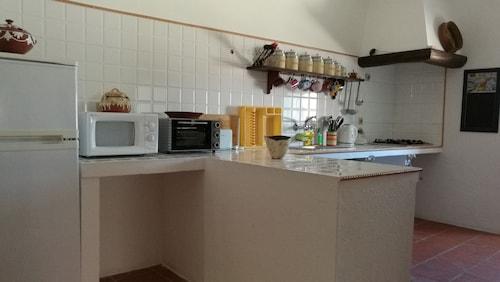 Casa dos Grilos, Avis