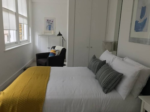 Super Cozy 1 Bed Flat - St Pauls Cathedral, London