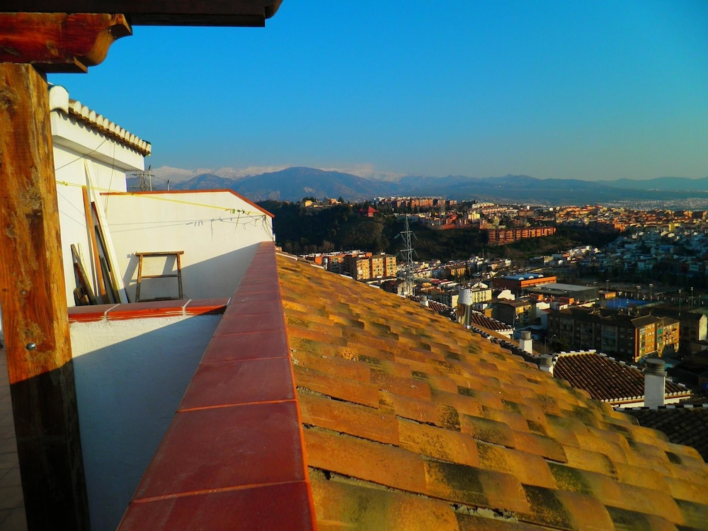 Apartment With one Bedroom in Granada, With Wonderful Mountain View, Furnished Terrace and Wifi