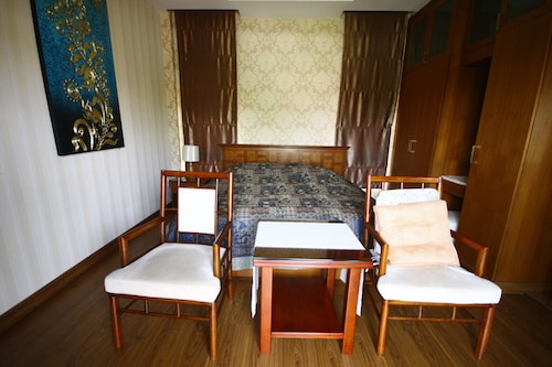 Rimtalay Angsila Guesthouse, Muang Chon Buri