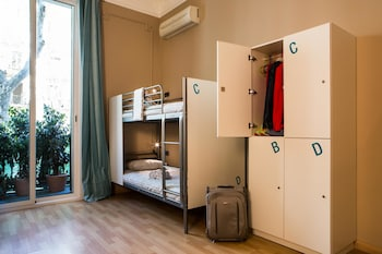 Born Barcelona Hostel - Adults Only