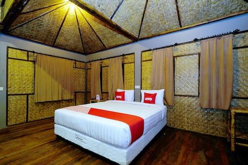 . OYO 1835 Surya Mandalika Hotel