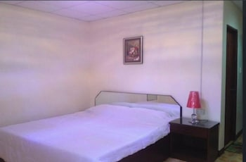 ENRIQUEZ RESORT Room