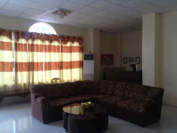 ENRIQUEZ HOTEL Reception
