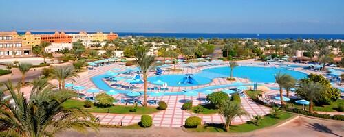 Pharaoh Azur Resort, Safaja