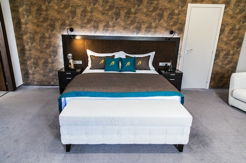 Bon Hotel, Dnipropetrovs'ka