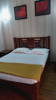 Deluxe double Ac room with bathroom