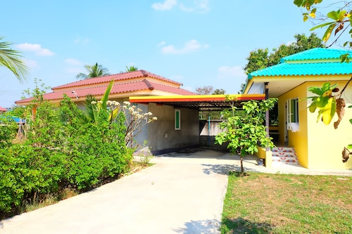 Thanatat Resort, Muang Tak