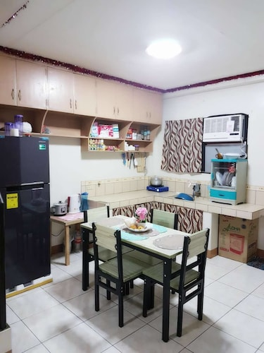 JP McLoughlin's Boutique Apartelle, Dumaguete City
