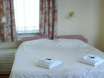 Double Room, Partial Sea View, Sea Facing