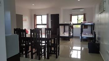 SPACIOUS PRIVATE APARTMENT AT LAORENZA RESIDENCES Room